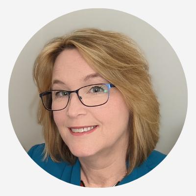 Lynda Filer, website designer and social media manager for Scullywag Services
